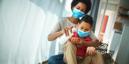 Mother+and+son+wear+masks+to+stay+safe_02aad8bb-7b45-4b92-b101-366b7ba1b2eb-prv