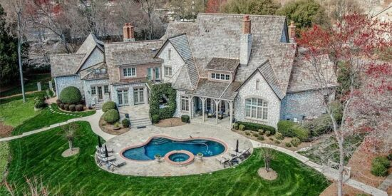 17002 Freshwater: This is what you get for $4.9 million